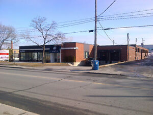 20,000 Sqft Space in Town of Mount Royal: Prime location