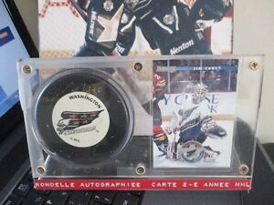 JIM CAREY WASHINGTON CAPITALS SIGNED PUCK AND PHOTO