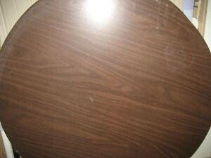 Reduced price for 2 heavy duty round table tops Gatineau Ottawa / Gatineau Area image 3