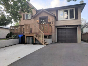 MASSIVE BUNGALOW-3 BEDROOMS,HARDWOOD,2 STORY CEILINGS-GALT EAST