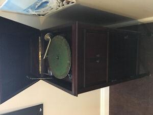 Antique phonograph Belleville Belleville Area image 2