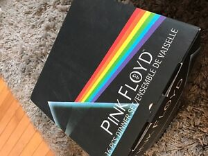 Pink Floyd dinnerware set MINT COND. never used limited edition