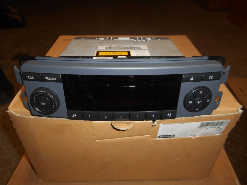 Brand New Genuine Radio Tuner - Smart 454 For Four - A4548202479
