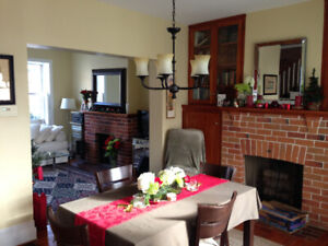 2br - Fully Furnished Executive Home in Historic Kingston