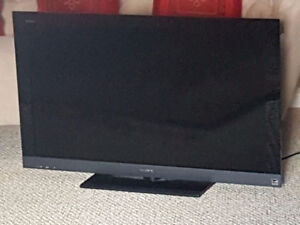 Sony 40 inch TV ( model KDL-40EX500) with remote