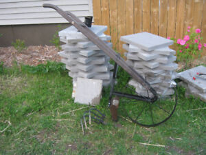 hand cultivator with wheel