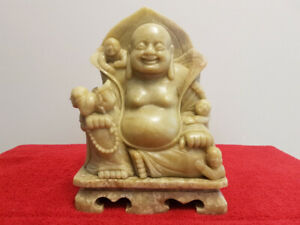 Chinese Late Qing Very Fine Green Soapstone Buddha