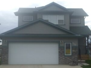 3+1bedroom house with double attached garage for rent-Timberlea
