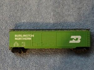 Electric Train Boxcar - HO Scale.