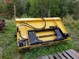 Selling Sawdust/Compost Spreader