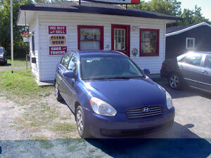 2008 Hyundai Accent GL Sedan 5 SPEED MAN CERT AND ETESTED