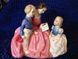"Royal Doulton Figurine ""Bedtime Story"" HN 2059 London Ontario image 1"