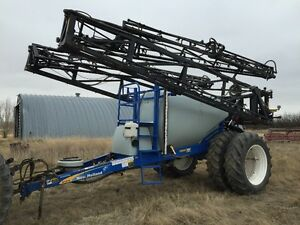 2010 New Holland S1070 Suspended Boom Pull Type Sprayer