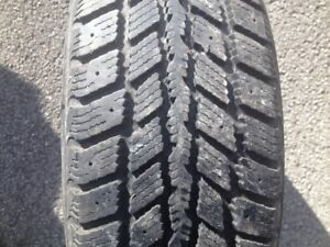 2 pneu hiver nexen 205-65-r15