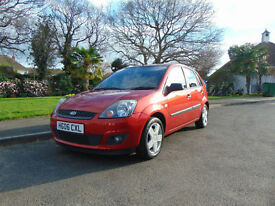 Superb Low Mileage Ford Fiesta 1.4 Zetec Climate Full Service History New MOT
