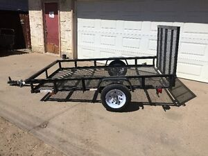 2014 5'X8' UTILITY TRAILER WITH FOLD DOWN RAMP TRAILER WEIGHS 35