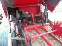 224 Massey square baler with thrower