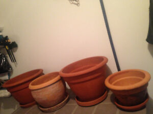 Four Large Clay Terracotta Flower Pot Planters With Saucers