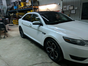 Ford Taurus SEL AWD 2013 mags SHO