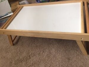 Fold up bed table