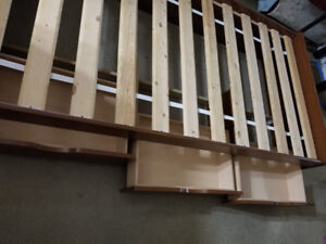 Twin beds with 3 drawers storage