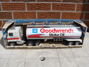 Nylint Big Earl Mr Goodwrench GM Motor Oil Tanker Toy Truck