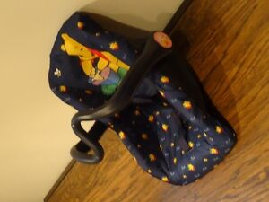 Lot of 4 -High Chair Graco), Stoller, Car Seat, Crib (all toys) West Island Greater Montréal image 8