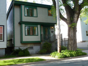 4-Bdr. House minutes from Hospitals, Universities, Downtown