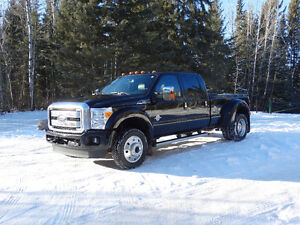 2016 Ford F-450 Platinum Dually Pickup Truck