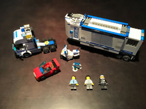LEGO City 7288 Mobile Police Unit 100% Complete