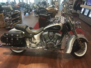 2016 Indian Chief Vintage Star Silver and Thunder Black