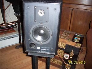 jbl bookshelf speakers