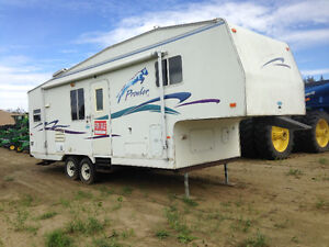 27 ft Prowler 5th wheel Trailer