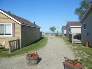 Beachfront, Sauble Beach, 2 and 3 night cottage rentals avaiable