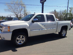 2009 CHEVROLET SILVERADO 1500 CREW CAB 4X4 LTZ !! HEATED LEATHER