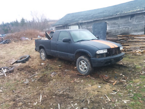 1999 S10 4WD  for parts