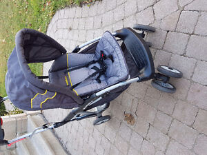 Stroller/double/single in almost new condition $80 West Island Greater Montréal image 1