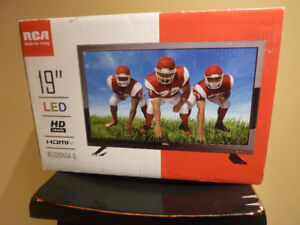 New 19'' RCA LCD TV