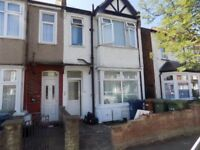 2 Bed Flat For Sale in Harrow Weald