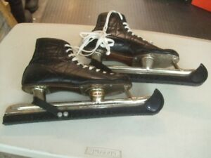 """BAUER""  VINTAGE SPEED SKATES  -  ""WINNER"""