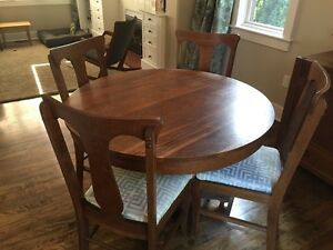 Solid oak dining table, six chairs, sideboard