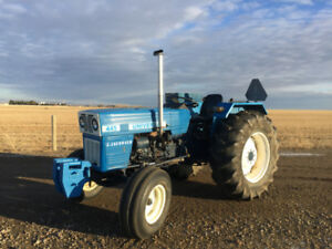 REDUCED!! Immaculate tractor!! UNIVERSAL 445!! LOW hours!!