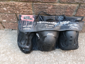 *****SOLD ***** No Fear Skate Pads size LARGE