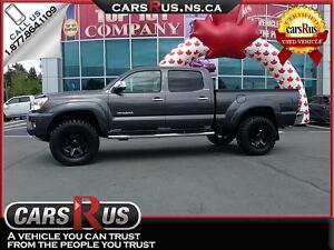 2015 Toyota Tacoma V6 Limited, Leather Heated Seats!!
