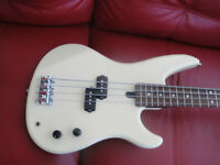 YAMAHA RBX200 BASS 4 STRINGS ELECTRIC GUITAR LIKE NEW $200 ONLY