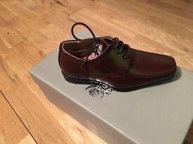 X2 pair paisley London brown kids shoes brand new boxed size 8 ideal for wedding
