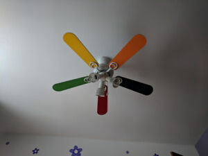 Ventilateur de plafond arc-en-ciel / Rainbow Ceiling Fan
