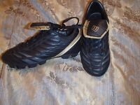 Soccer shoes....size 13