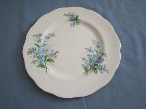 ROYAL ALBERT FORGET-ME-NOT CHINA FOR SALE! Moose Jaw Regina Area image 5