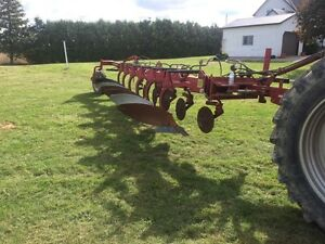 Knogskilde plow 6 furrow   case 1020 30ft